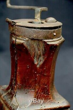 Coffee Grinder Louis XIV