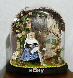 Former Diorama In Lace Globe Wax