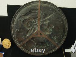France Important Medaillon Cuivre Repouse 18th Guerrier Typé Casqué 54cm