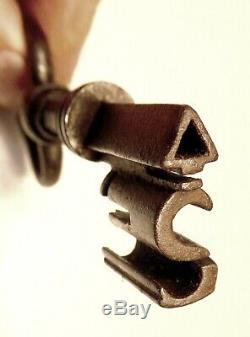 French Key Safe, Quality, Triangle Rod, S-bits, Eighteenth