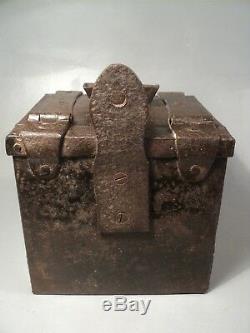 Old Chest Urn Trunk Church Metal Haute Epoque XVII / Xviiith Urn