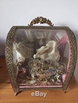 Old Late Nineteenth Wedding Globe Complete