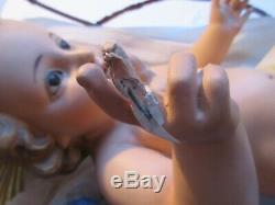 Sculpture Reinforced Plaster Jesus Newborn, Glass Eyes, In Its Wooden Cradle