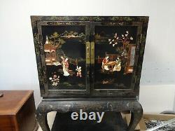 Small Cabinet Secretarial Antique Furniture In Japanese Lacquer