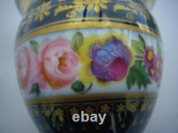 Tass And Its Soucoupe In Porcelaine Of Paris Decor De Roses And Or 19th Century