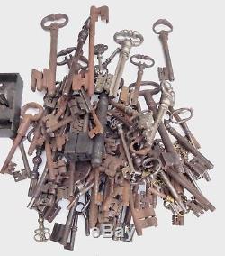 Two Renaissance Keys, Wrought Iron, Xvi-xvii, Good Condition