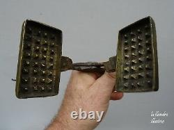 Very Small Wrought Iron And Bronze Waffle Waffle 19th Waffle Forget Mould