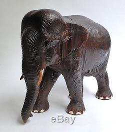 Ancien ÉLÉPHANT en bois sculpté ASIE vers 1900