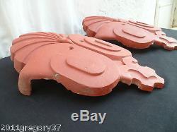 Ancien bordures de rives de toiture faîtages en terre cuite ornements de toit