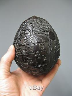 Ancienne noix de coco sculptée sur le thème de la chasse 18e 19e