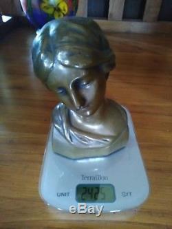 Buste de Femme en Bronze