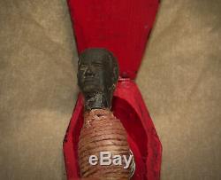 Curiosa surprenant objet d'art populaire érotique, memento mori en bois