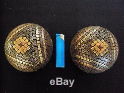Deux anciennes boules de pétanque cloutées 19 ème