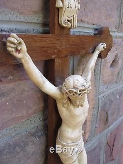 Important et rare crucifix de la fin du XIXe siècle 110 cm
