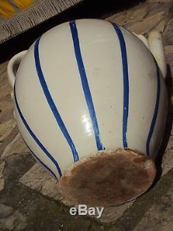 Rare grosse cruche vernissée blanc et bleue 19 ème