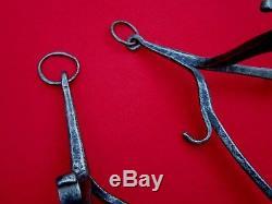 Rare paire de Hastiers chevalet du 16éme. Haute epoque, cheminée, collections