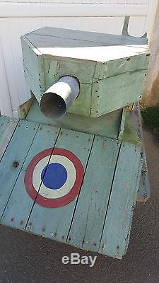 Un chars ancien en bois art populaire jouet militaria