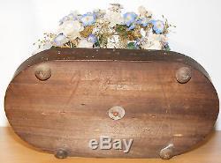 Vierge biscuit sous globe de mariée verre décors fleurs en tissu socle bois 19èm